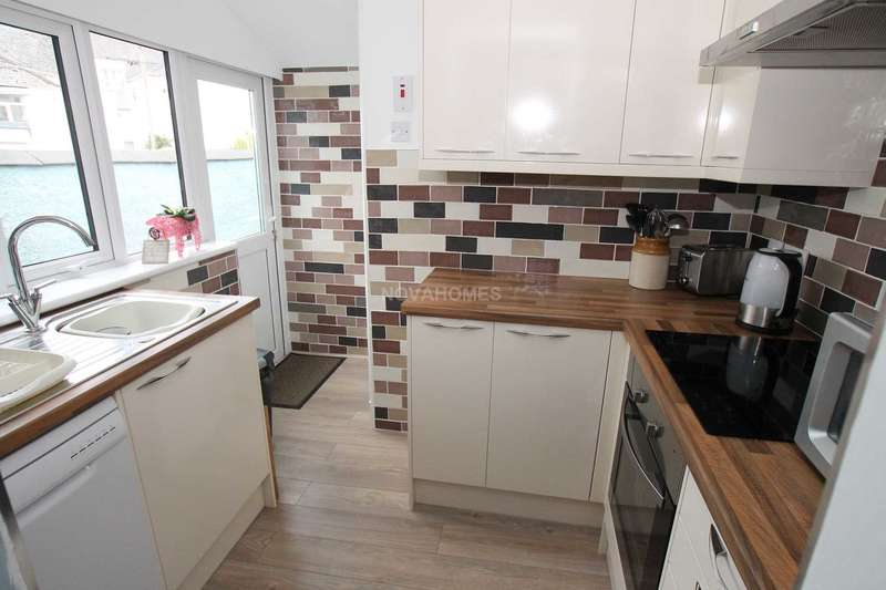 2 Bedrooms Terraced House for sale in Wesley Place, Peverell, PL3 4RF