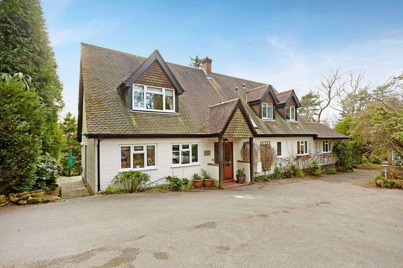 4 Bedrooms Detached House for sale in Old Lane, The Warren, Crowborough, East Sussex
