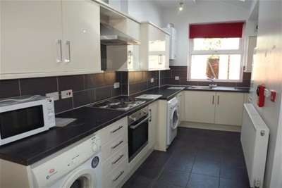 5 Bedrooms House for rent in Vincent Road, Sharrow, S7 1BY