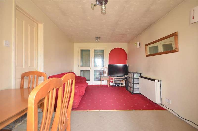 1 Bedroom Flat for sale in Waterside Close, Barking, Essex