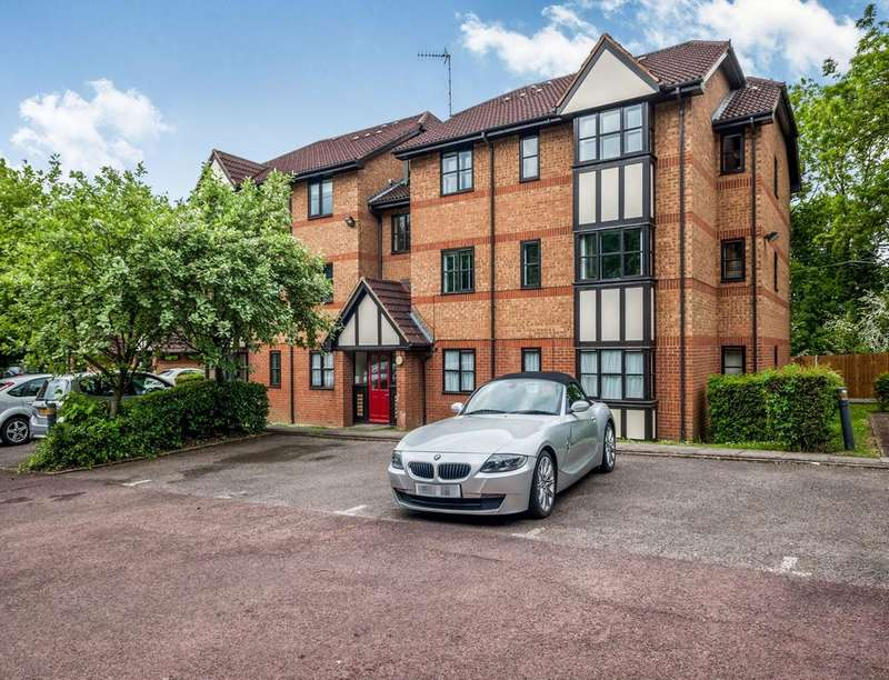 2 Bedrooms Flat for sale in Osprey Close Falcon Way, WATFORD, WD25