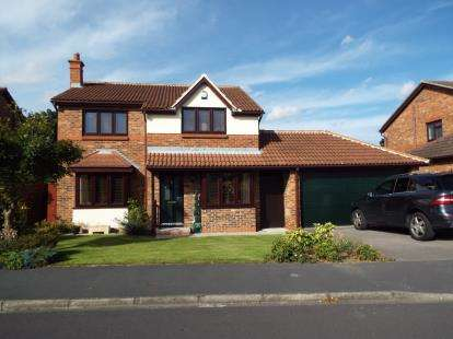 4 Bedrooms Detached House for sale in Tameside, Stokesley, Middlesbrough, North Yorkshire