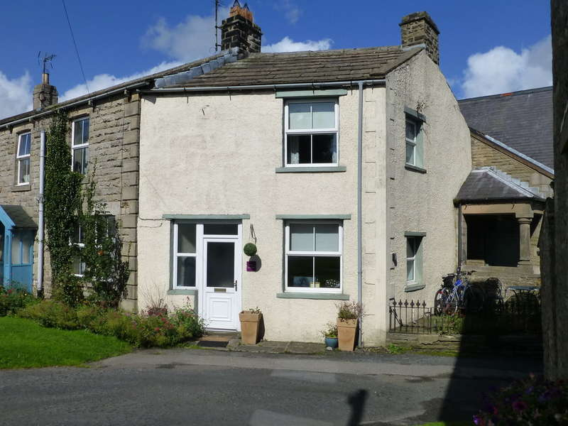 2 Bedrooms Semi Detached House for sale in East Stone Lea, Aysgarth
