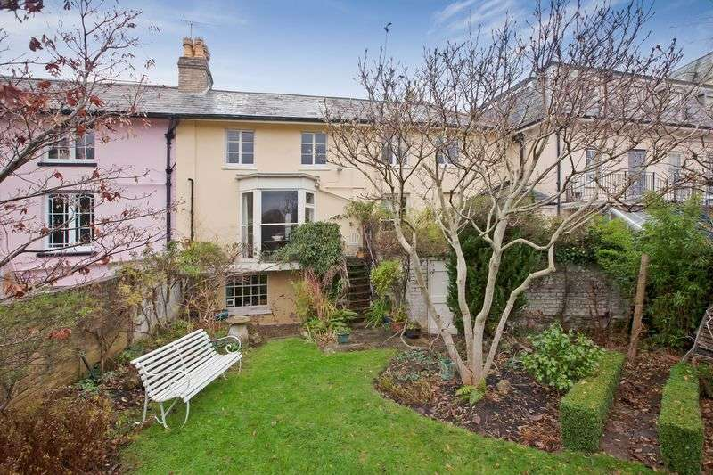 4 Bedrooms Terraced House for sale in CENTRAL TAUNTON