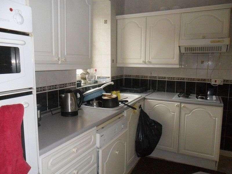 6 Bedrooms Detached House for sale in Swansea Road, Swansea