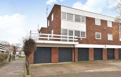 3 Bedrooms Maisonette Flat for sale in Sevenoaks Road, Orpington, Kent