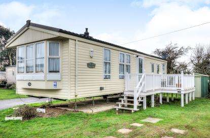 3 Bedrooms Mobile Home for sale in Hook Lane, Warsash, Southampton