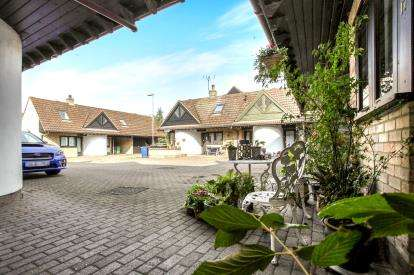 2 Bedrooms Terraced House for sale in Fen Drayton, Cambridge, Cambridgeshire