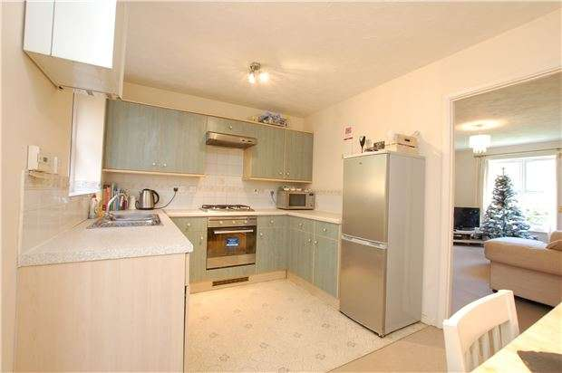 3 Bedrooms Semi Detached House for sale in Humphrys Barton, St Annes Park, BS4 4NS