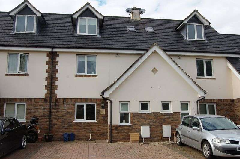 3 Bedrooms Terraced House for sale in Brook Estate, Monmouth