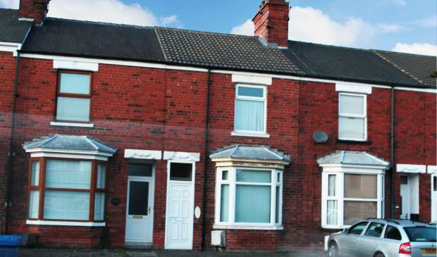 2 Bedrooms Terraced House for sale in Holmechurch Lane, Beverley, East Riding, HU17 0QE