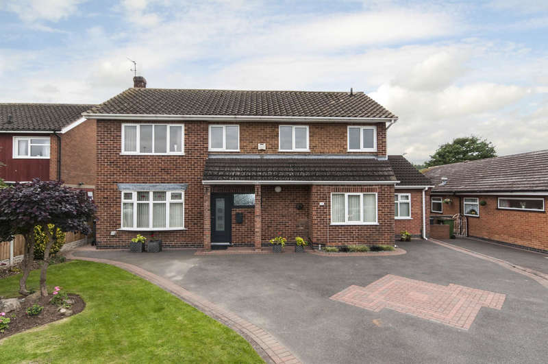 4 Bedrooms Detached House for sale in Paddock Close, Castle Donington, Derby