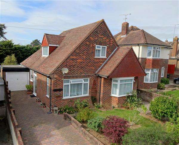 4 Bedrooms Detached House for sale in Chute Way, High Salvington