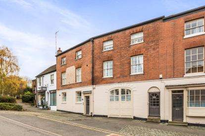 2 Bedrooms Flat for sale in West Rock, Warwick