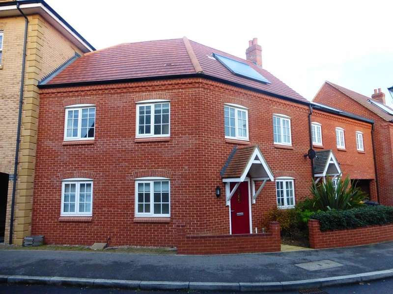 4 Bedrooms Terraced House for sale in Wayland Road, Great Denham, Bedford, MK40
