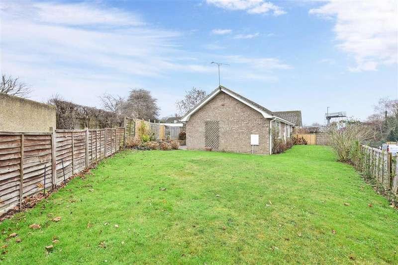 3 Bedrooms Detached Bungalow for sale in Lake Lane, Barnham, Bognor Regis, West Sussex