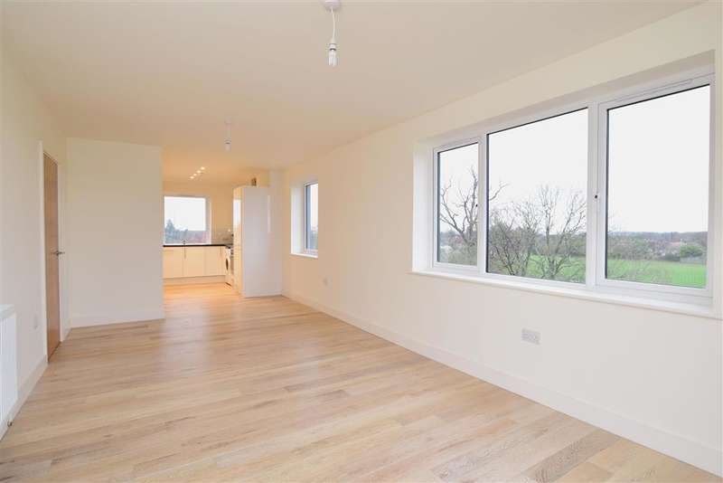 2 Bedrooms Apartment Flat for sale in London Road, East Grinstead, West Sussex