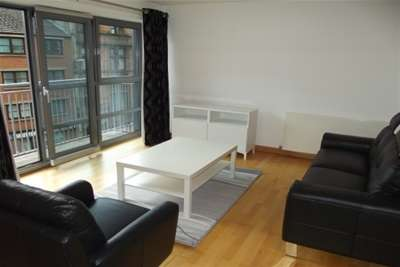 2 Bedrooms Flat for rent in G1 Building, Merchant City, G1