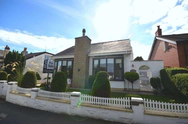 3 Bedrooms Detached Bungalow for sale in 156 Hardhorn Road, Poulton-Le-Fylde Lancs FY6 8ES