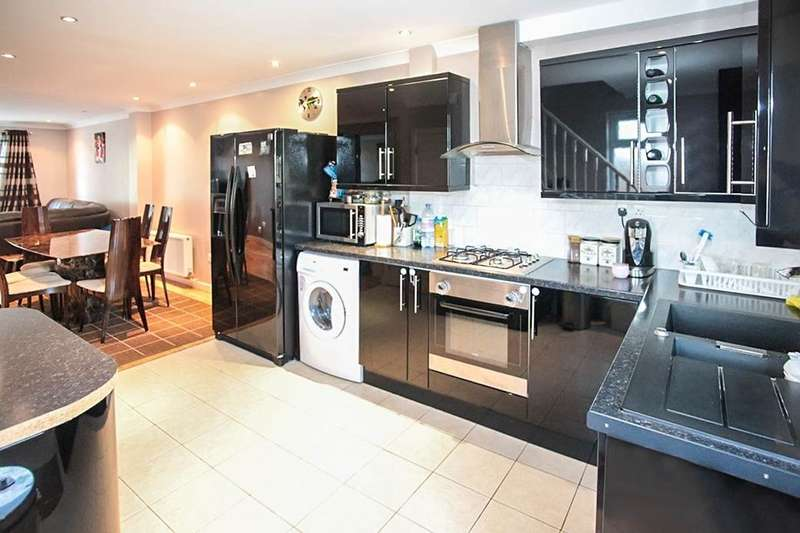 2 Bedrooms Semi Detached House for sale in A Montgomery Avenue, Adeyfield, Hemel Hempstead, HP2