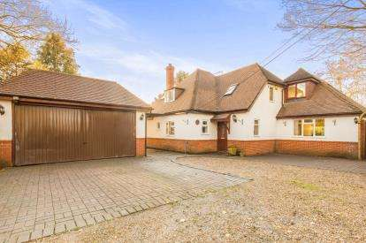 4 Bedrooms Detached House for sale in Sherfield English, Romsey, Hampshire