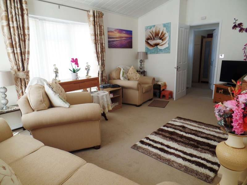 2 Bedrooms Park Home Mobile Home for sale in Great Bentley