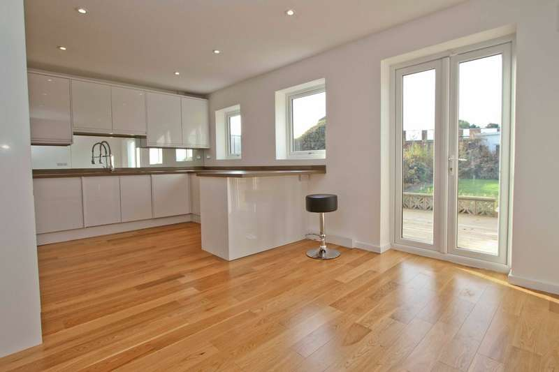 3 Bedrooms Terraced House for sale in Whittington Way, Pinner