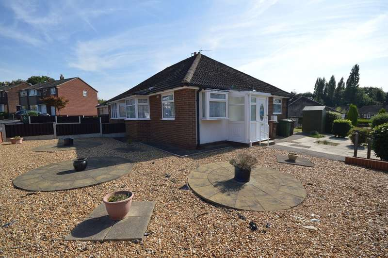 2 Bedrooms Semi Detached Bungalow for sale in Woolgreaves Avenue, Sandal, Wakefield