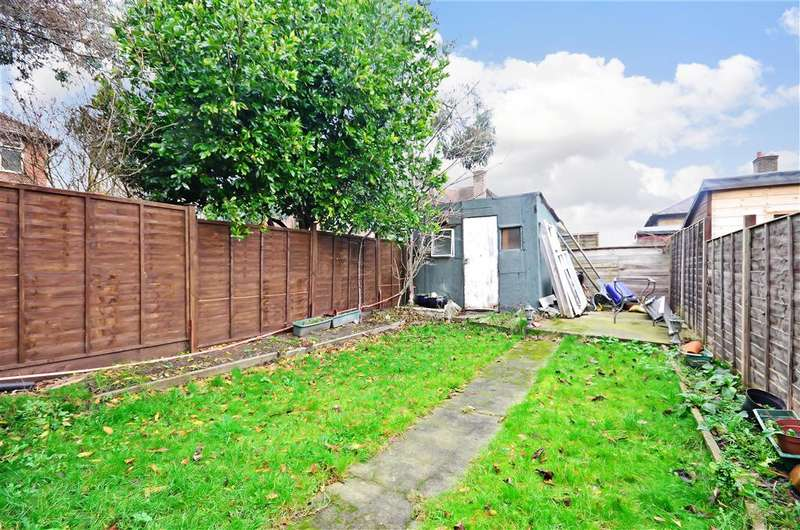 3 Bedrooms Terraced House for sale in Shrewsbury Road, Carshalton, Surrey