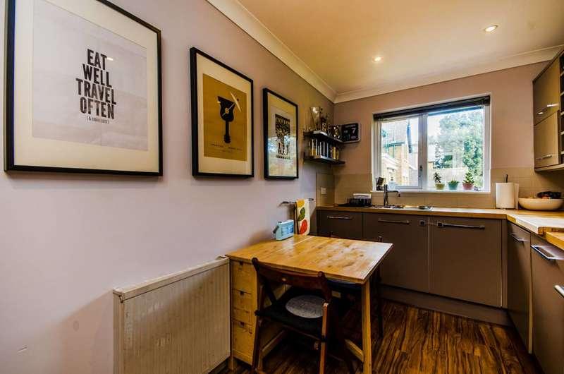 2 Bedrooms Flat for sale in Rectory Road, Beckenham, BR3
