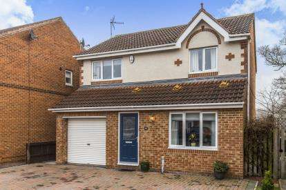 3 Bedrooms Detached House for sale in Gilderdale Close, Faverdale, Darlington, County Durham