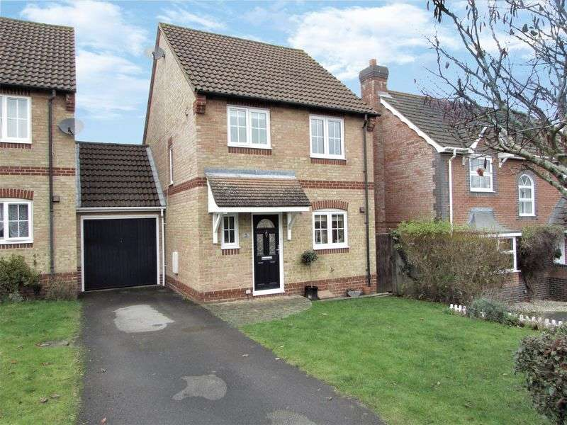 3 Bedrooms Detached House for sale in Naseby Rise, Newbury