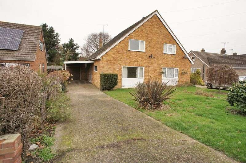 2 Bedrooms Semi Detached House for sale in Red Barn Road, Brightlingsea