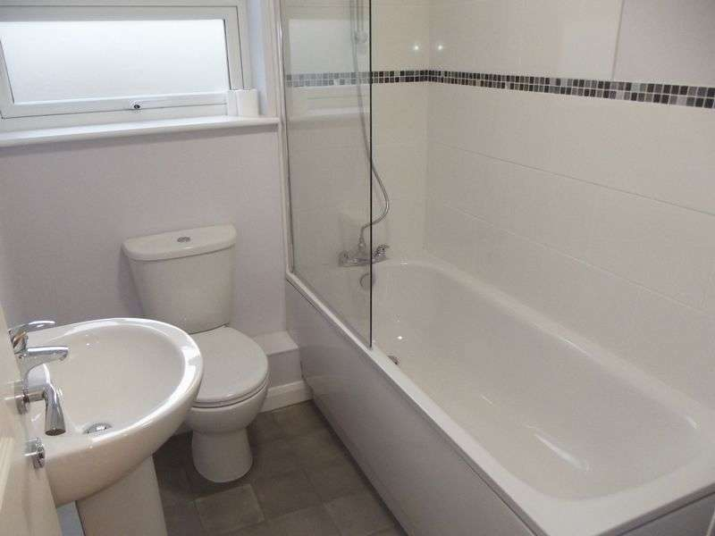 2 Bedrooms Flat for sale in Wellington Street, Gravesend