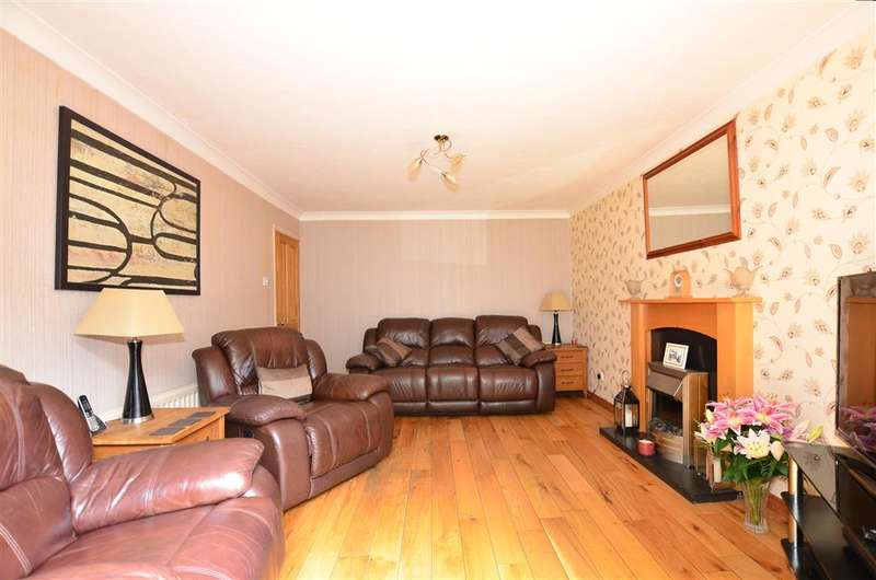 4 Bedrooms Detached House for sale in The Spinney, Walderslade Woods, Chatham, Kent
