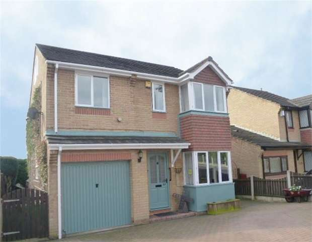 4 Bedrooms Detached House for sale in Richmond Road, Upton, Pontefract, West Yorkshire