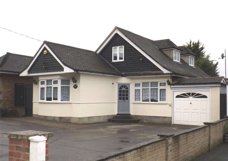 4 Bedrooms Detached House for sale in Stapleford Road, Stapleford Abbotts, Romford, Essex, RM4