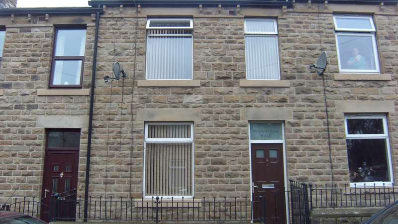 3 Bedrooms Terraced House for sale in Thornville Walk, Dewsbury