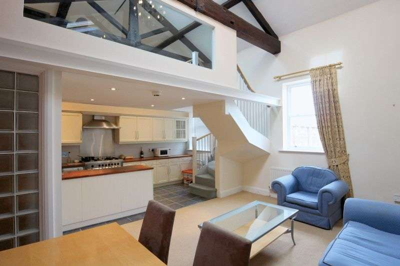 2 Bedrooms Flat for sale in Trent Court, Stafford Road, Stone