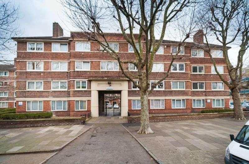 Flat for sale in Kirby Estate, London