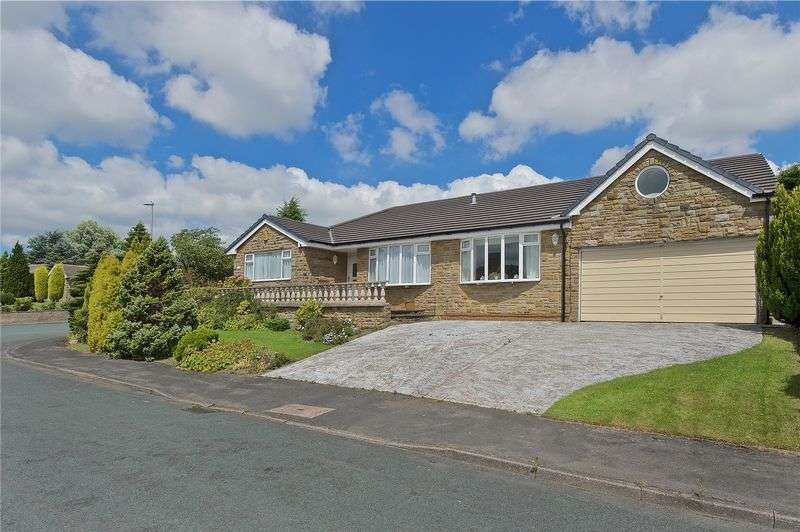 5 Bedrooms Detached Bungalow for sale in Woodlands Road, Batley