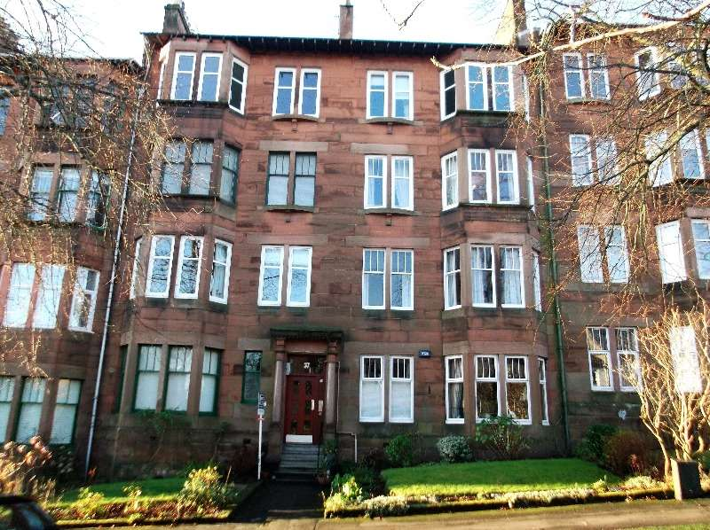 2 Bedrooms Flat for rent in Beechwood Drive, Broomhill, Glasgow