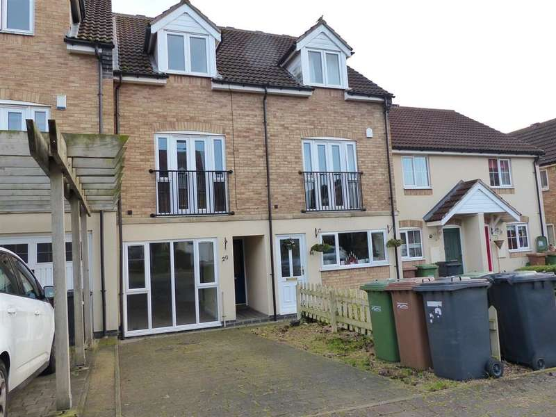3 Bedrooms Town House for sale in St Katherines Mews, Hampton Hargate, Peterborough, PE7