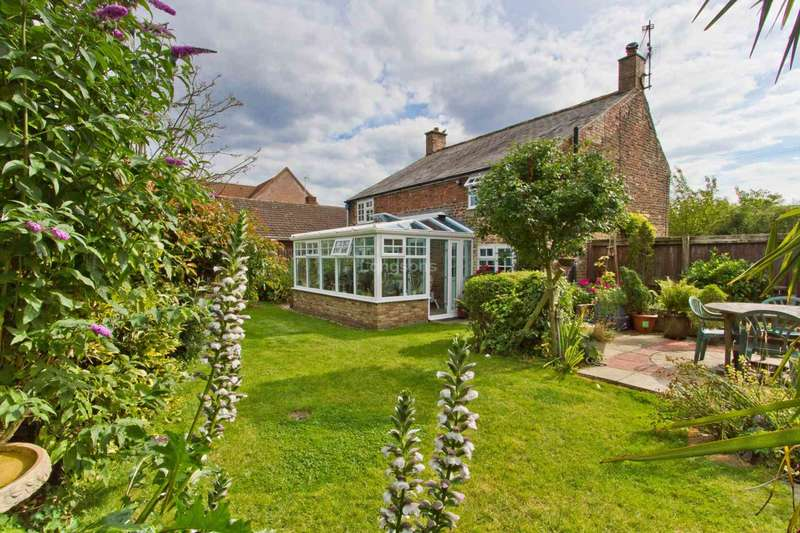 3 Bedrooms Cottage House for sale in St Pauls Road, West Walton Highway