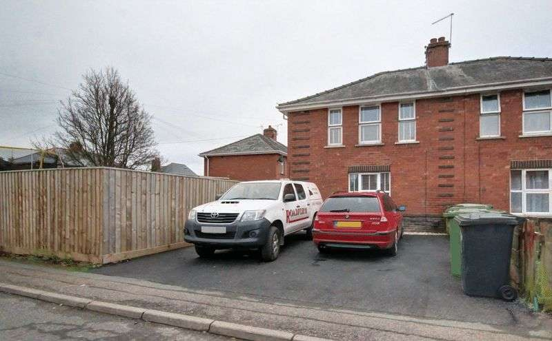 3 Bedrooms Semi Detached House for sale in Milton Road, Exeter