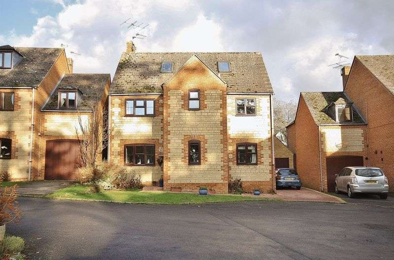 5 Bedrooms Detached House for sale in NEWLAND MILL, Witney OX28 3HH