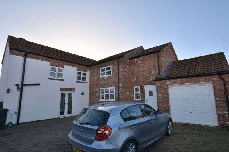3 Bedrooms Detached House for sale in Sands Lane, Scotter, Gainsborough