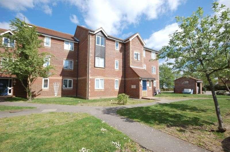 1 Bedroom Flat for sale in Chantress Close, Dagenham