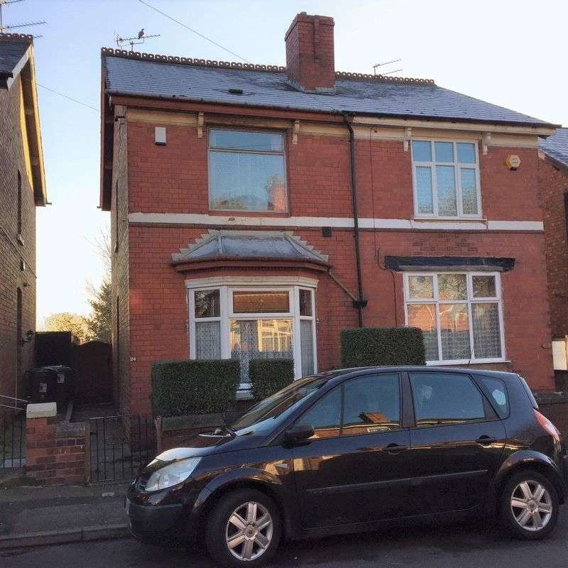 3 Bedrooms Semi Detached House for sale in Dorsett Road, Wednesbury