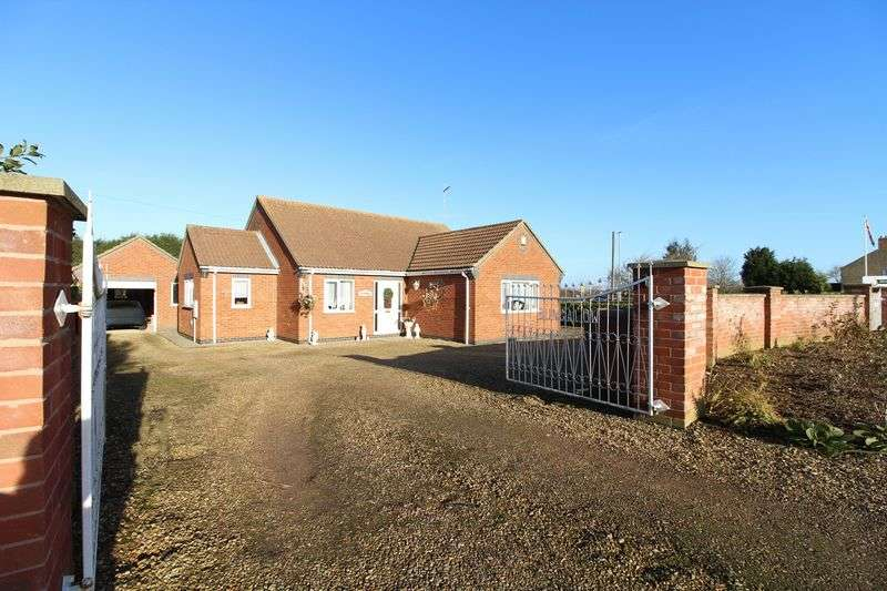 3 Bedrooms Detached Bungalow for sale in Thorney Road, Eye, Peterborough